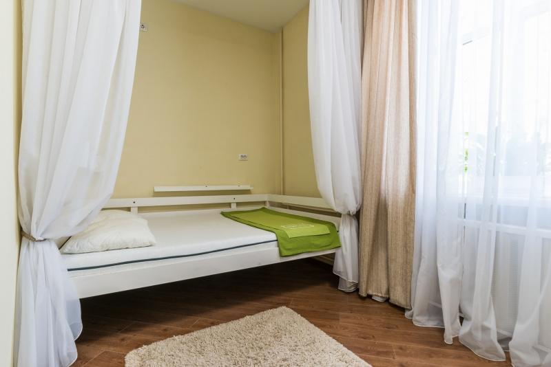 Комната у НИИ Гельмгольца Москва